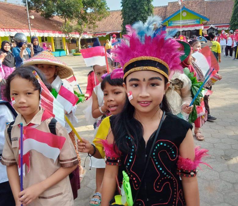 Meriahkan HUT Kemerdekaan RI,SDN Pangebatan Adakan Karnaval