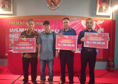 Angkat Dialek Banyumasan, Kepala SD Pangebatan Juara  Dua Lomba Penulisan Esai se-Jawa Tengah
